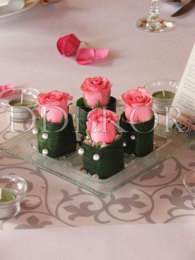 Ddekor Tischschmuck Auf Glasschale Mit Rosen Dekoration
